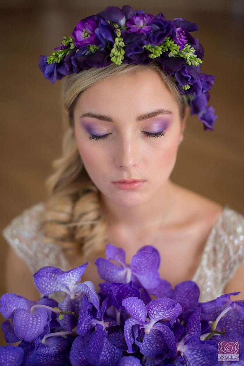 Ślubny makijaż w kolorach fioletu