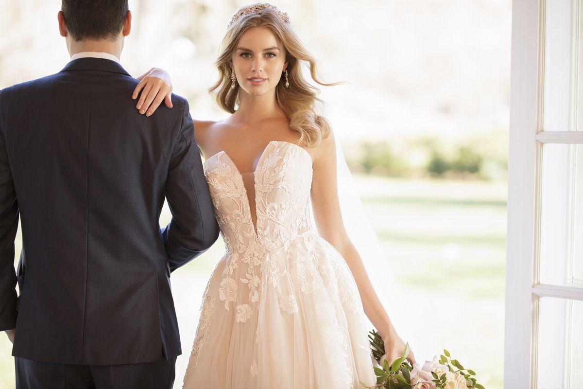Idealna suknia ślubna w kilku krokach – typy sylwetek i odpowiednie fasony